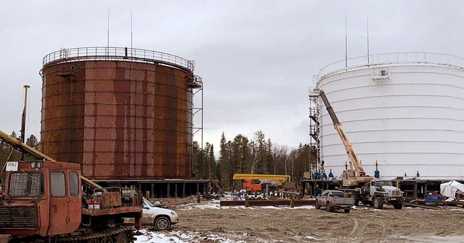 Нефтеперерабатывающий завод нагрев резервуаров с нефтью